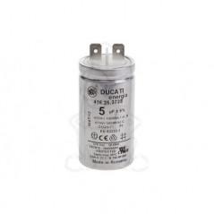 Condensator 8 microF.